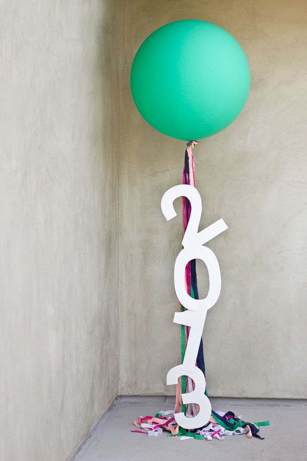 DIY Graduation Year Balloon Bundle.