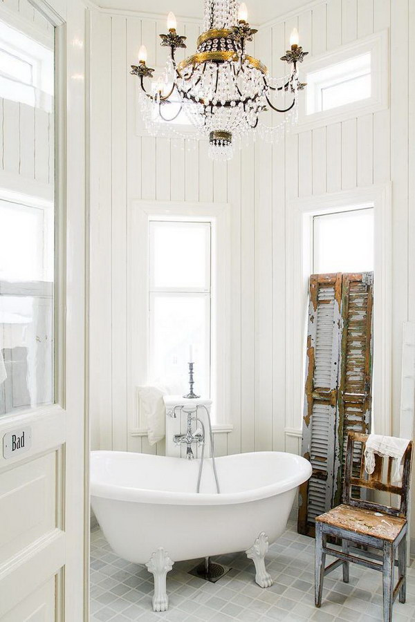 Cozy Shabby Chic Bathroom With Old Shutter