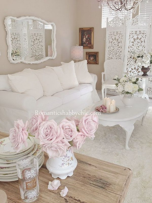 Shabby Chic Living Room in Pastel Colors