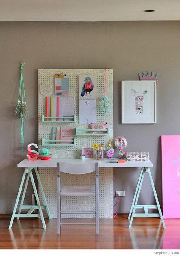 A Movable Girl's Study Desk