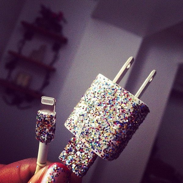 Use Different Colors of Nail Polish to Decorate Phone Chargers