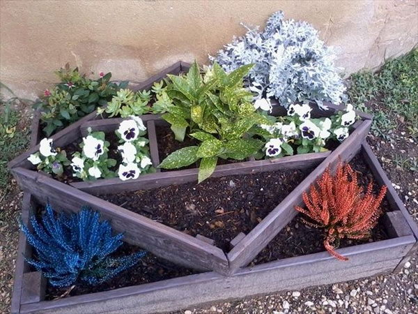 DIY Pallet Planter Designed In Very Different Way