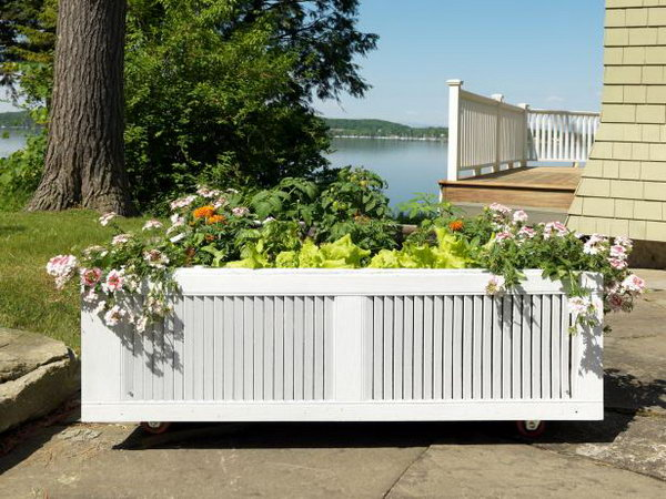 Build a Raised Garden Bed From an Old Shipping Pallet