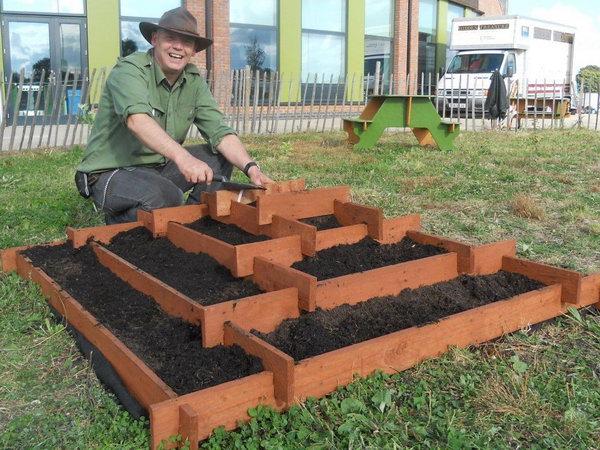 Slot Together Pyramid Garden Pallet Planter