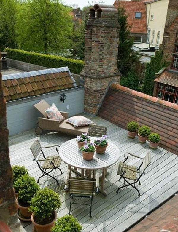 Small Country Style Rooftoop Garden