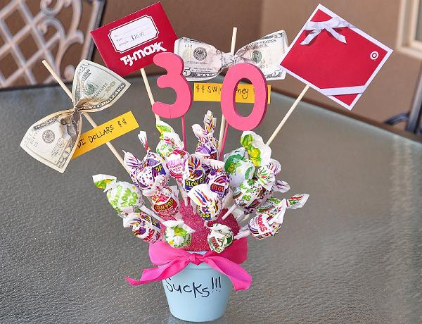 Centerpiece Ideas for 30th Birthday Party.