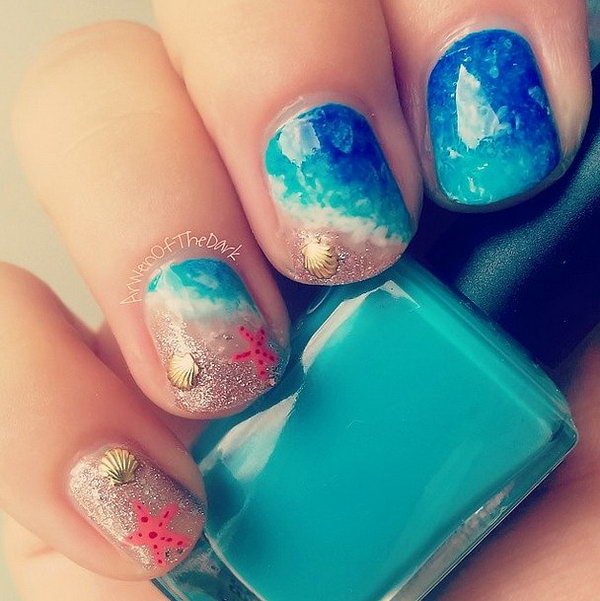 Beach Nails with Golden Shells, Starfish.