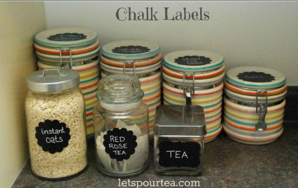 Organize Your Kitchen With DIY Chalkboard Labels