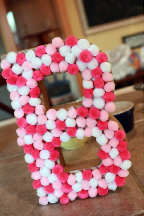 DIY Pom Pom Letter.