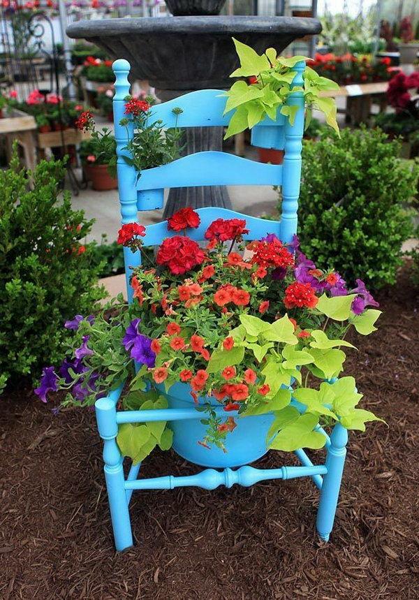 Old Chair Garden Pots.  Get the tutorial