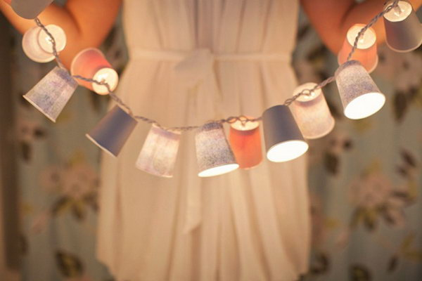 Dixie Cup Garland. Get the instructions