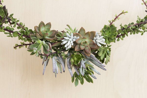 Succulent Garland. See how