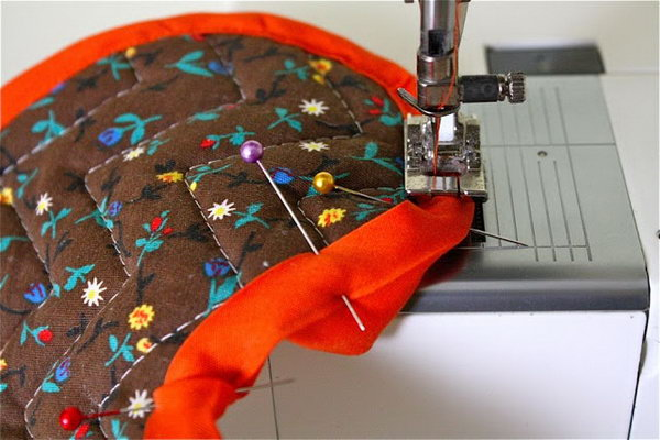 How to sew on bias tape in an easy and cheating way