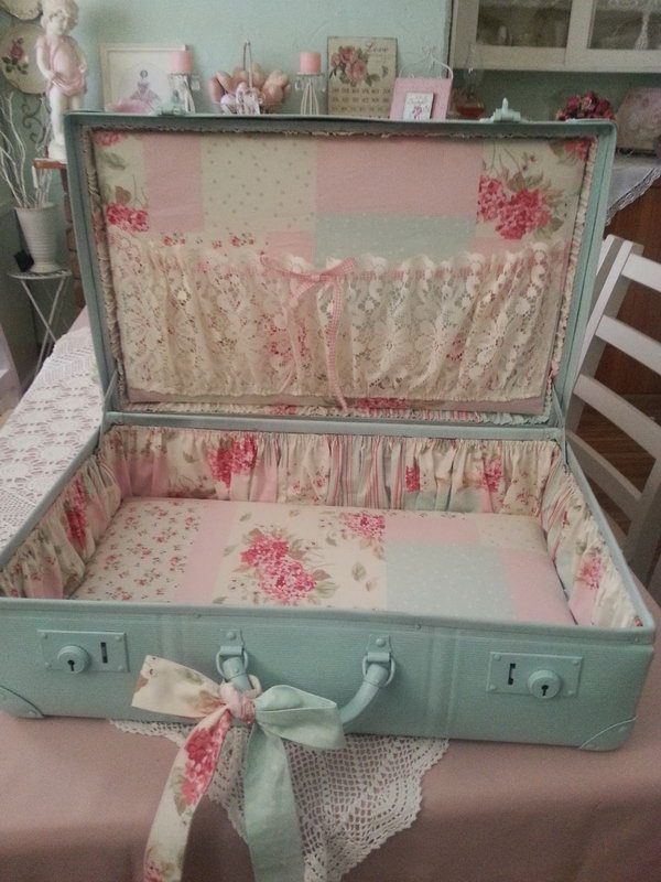 Shabby Delights. See the tutorial