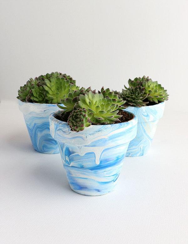 Marbled Terra Cotta Pots. Get the tutorial