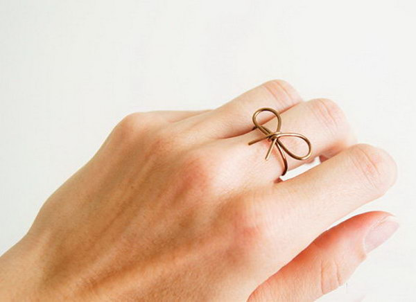 Wire Bow Ring. Get the tutorial