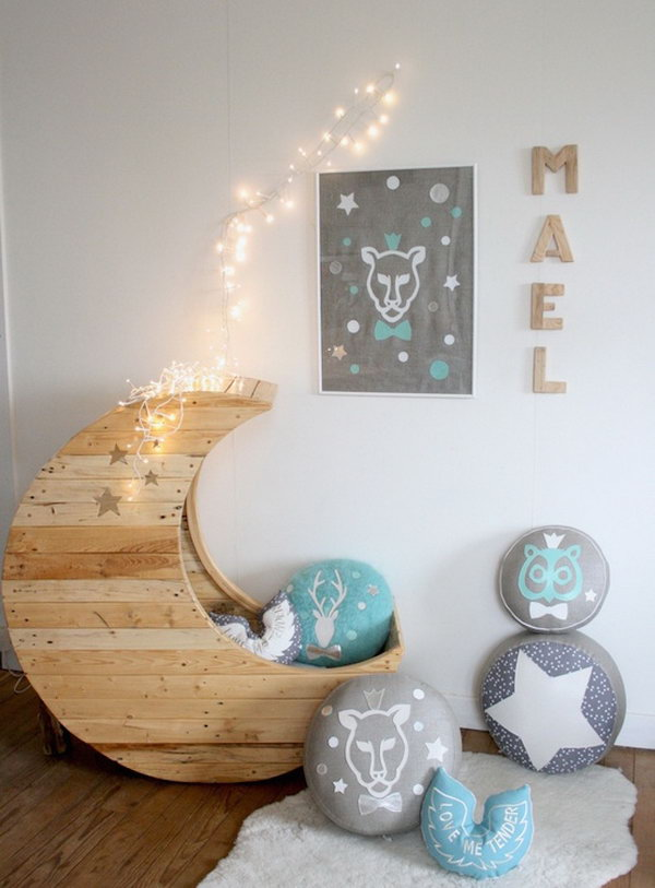 Moon Cradle from Pallets.