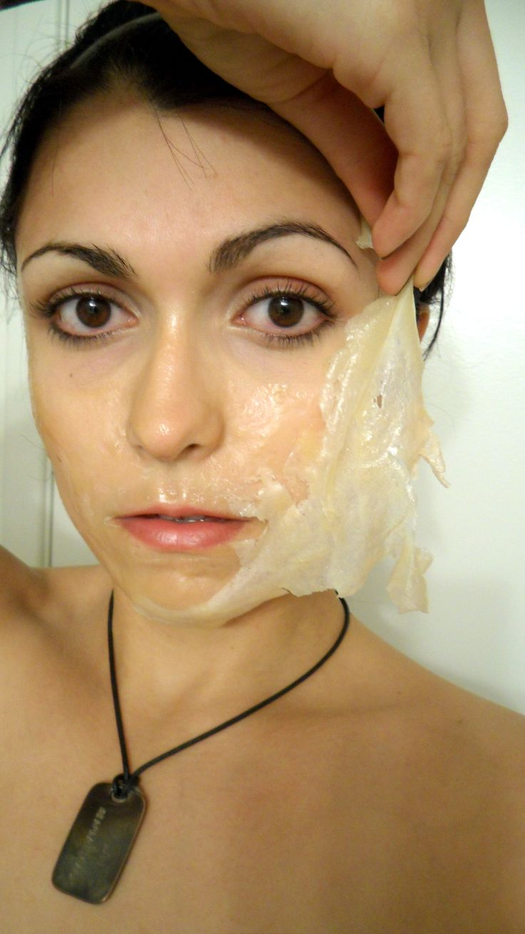 DIY Your Own Honey and Tea Tree Oil Face Peel.