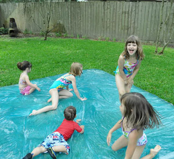 DIY Water Blob Game. Source and instructions