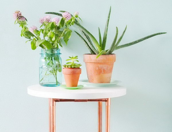 DIY Copper Pipe Side Table. See the steps