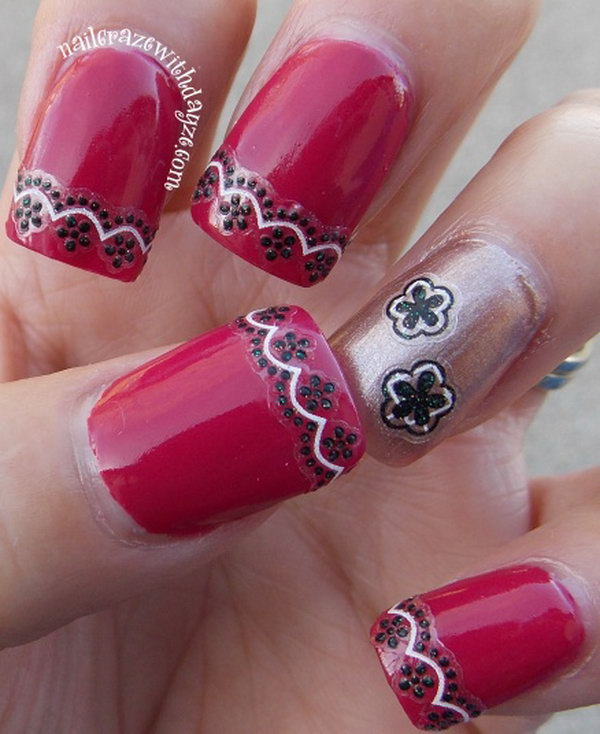 Red Nails with Pretty Lace.