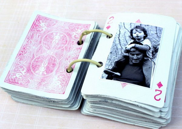 52 Memories Scrapbook. Grab a deck of cards and 52 favorite photos, then link the whole thing together with a couple of binder rings. A perfect and last minute Mother's Day gift to show all your love for your mother. Get the tutorial