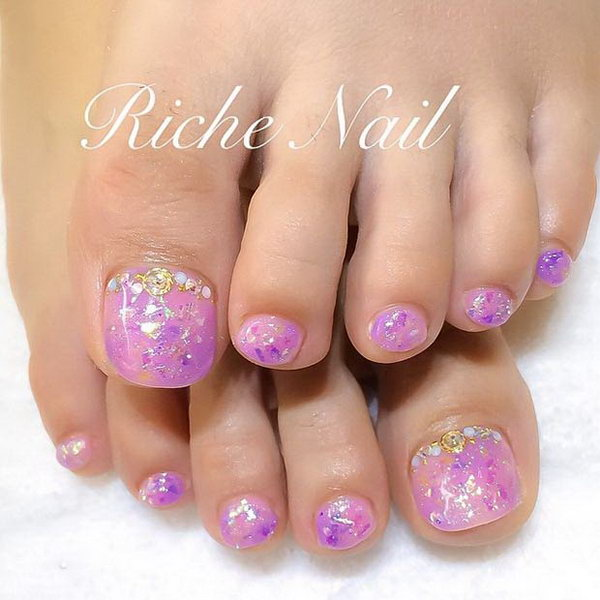 Purple Giltter Toe Nail Design.