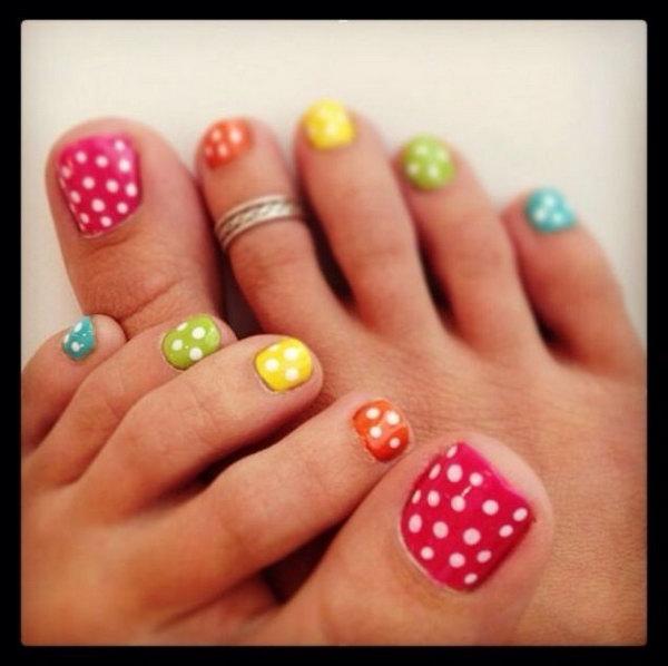 Colorful Polka Dots Toe Nail Art.