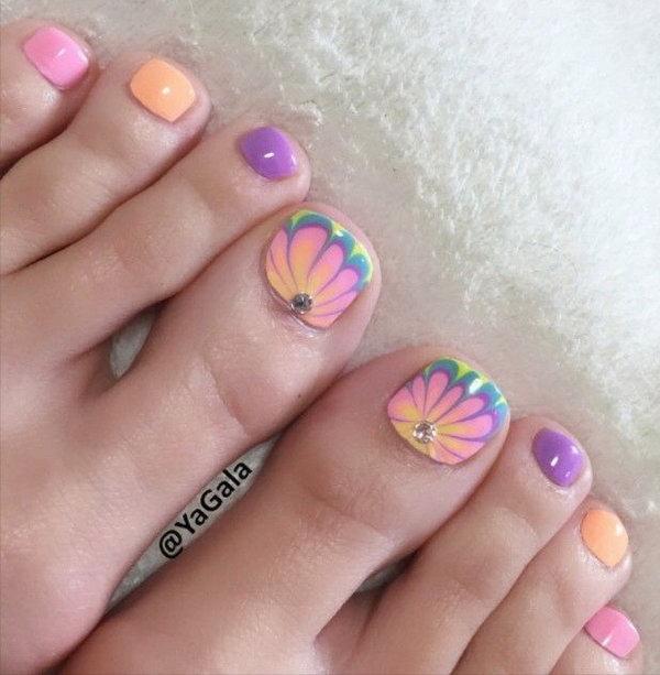 Beautiful Floral Toe Nail.