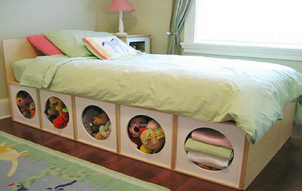 Under Bed Storage for Stuffed Toys. Under the bed is a creative storage area for your kids' stuffed toys.
