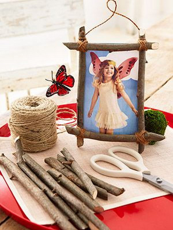 DIY Twig Photo Frame. Help kids make a rustic frame for their party photo.