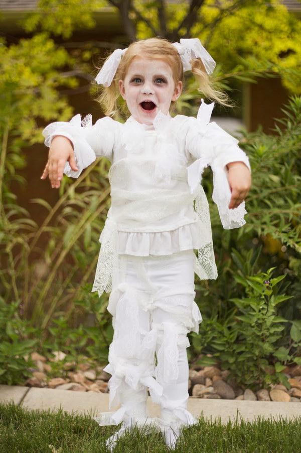DIY Little Girl Lace Mummy Halloween Costume