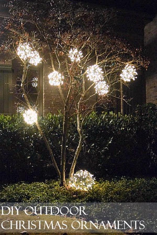 DIY Outdoor Christmas Chicken Wire Ornaments