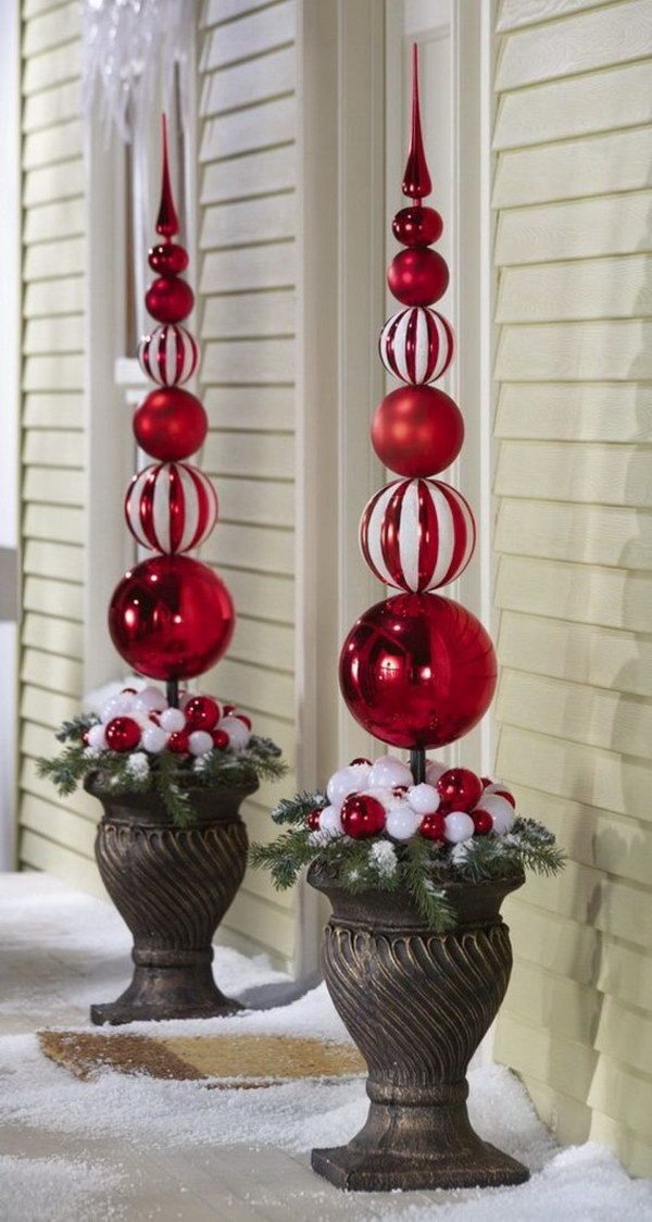 Red and White Ornaments Topiary Outdoor Decoration