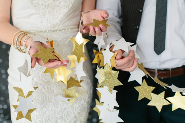 DIY Star Garlands in White and Gold
