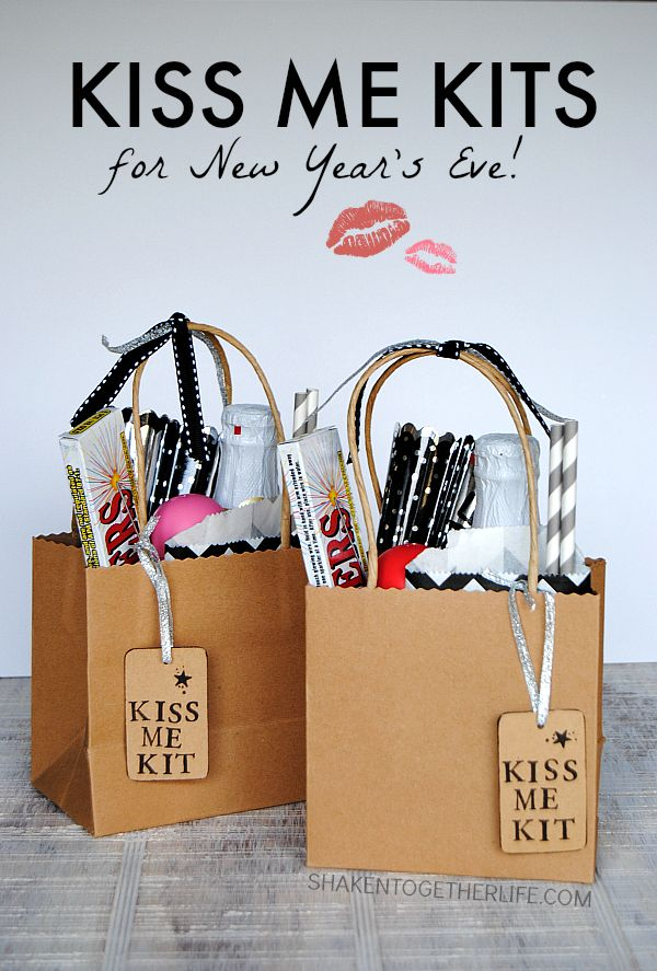 DIY Kiss Me Kits for New Year's Eve