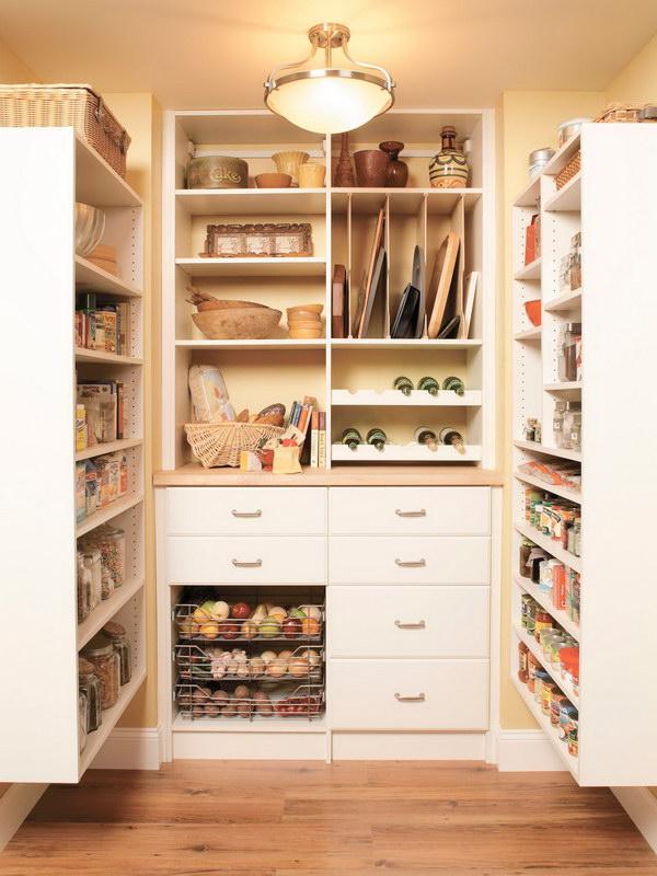 Gorgeous Mid sized Kitchen Pantry Design.