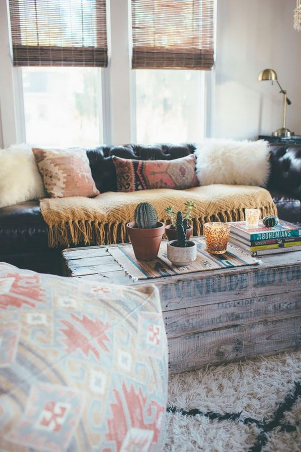 Perfect Casual Seating Solution for Small Living Space Decorating.