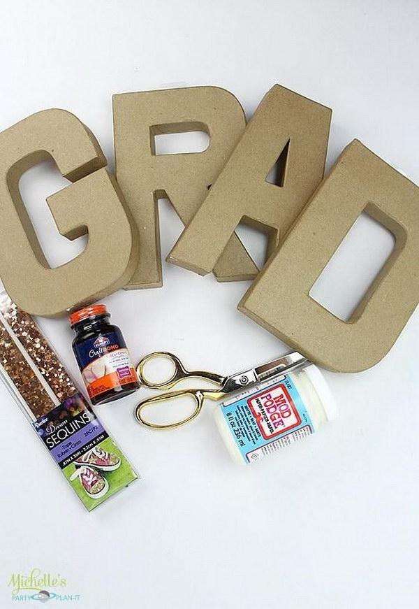 DIY: Graduation Personalized Photo Centerpiece.