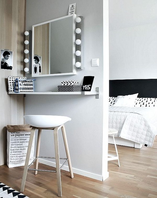Make Up Station For A Small Room