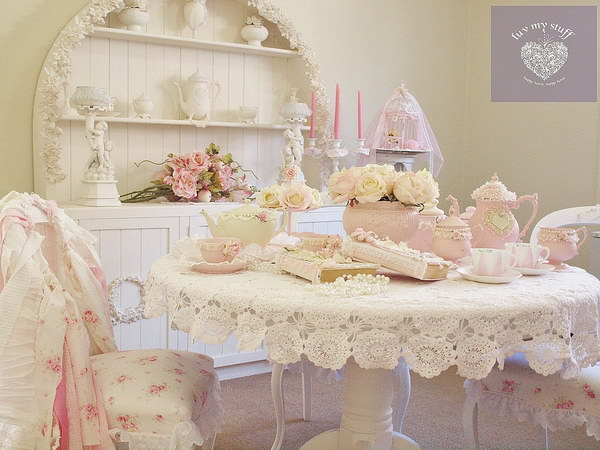 Girly and Shabby Chic Dining Room Decorations.