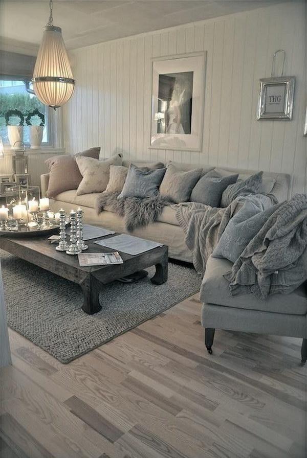 Inviting Vingtage Living Room